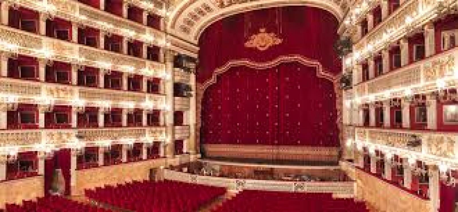 """Gallery - Viaggio a Napoli per visita al pastificio Garofalo di Gragnano e agli scavi archeologici di Oplontis. La sera del 24 assisteremo alla rappresentazione della """"Tosca"""" di G. Puccini al Teatro San Carlo."""